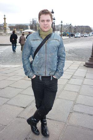 Diesel boots - Hugo Boss jeans - Esprit jacket - Ikks scarf