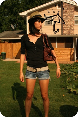 Urban Outfitters hat - Old Navy shirt - forever 21 shorts - Chloe purse