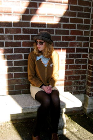 brown Secondhand cardigan - blue Secondhand blouse - brown Secondhand shoes - ye