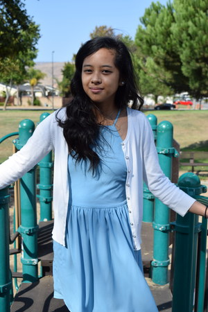 white pearl Icing earrings - sky blue Forever 21 dress