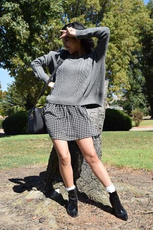 silver Forever 21 sweater - black Zara bag - Forever 21 skirt
