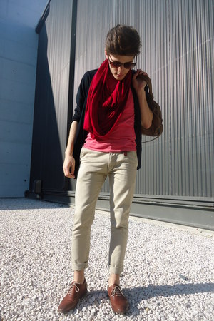 red snood Zara scarf - crimson oxfords Zara shoes - brown BLANCO bag
