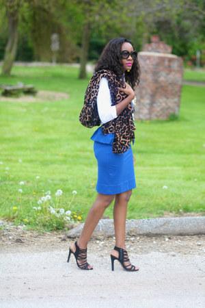 Marc Jacobs skirt - ann taylor shirt - Theodora and Callum scarf - Zara bag