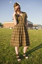 vintage dress - lulus sandals