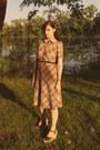 Vintage-dress-modcloth-wedges