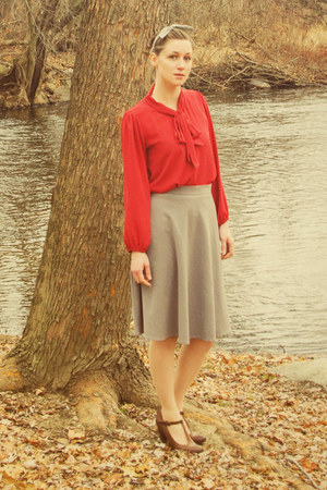 heather gray modcloth skirt - brown heels - ruby red t-strap modcloth heels