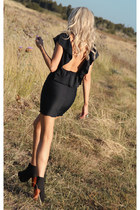 black fitted ruffle Justyna G dress - black Jeffrey Campbell boots