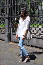 gray Maurice et Moi shoes - light blue vintage jeans - white Gotha top