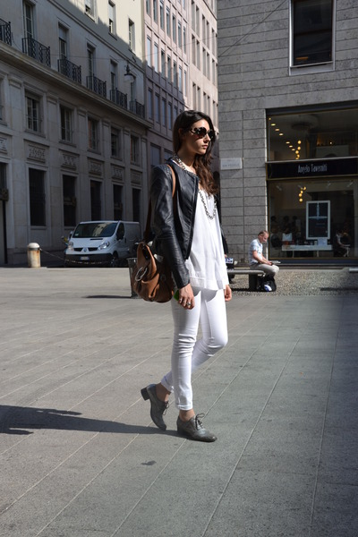 white Pirelli pants - navy mauro grifoni jacket