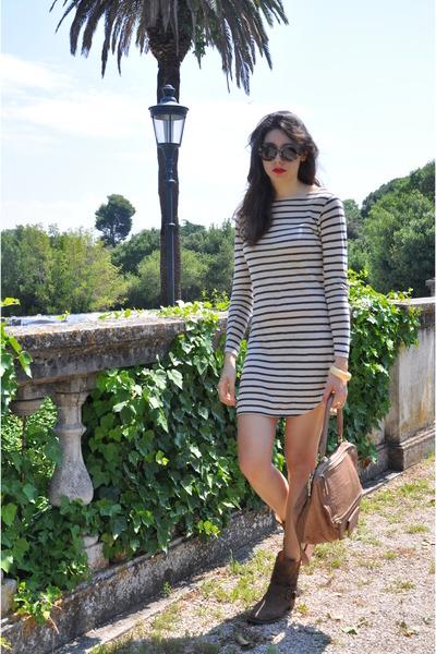 blue Fiorentini  Baker boots - white linen Bellerose dress - red Givenchy bag -