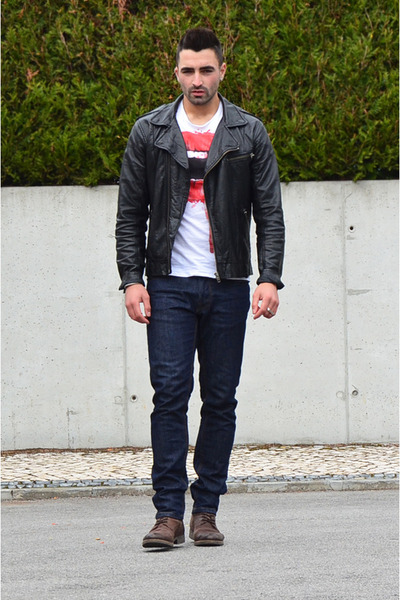 Ruby Red Zara Ts, Shirts, Aldo Boots, White Zara Jeans, Black ...