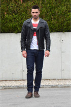 ruby red Zara t-shirt - Aldo boots - white Zara jeans - black leather H&M jacket