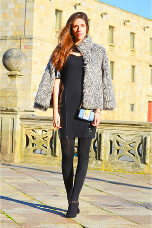 silver faux fur Primark coat - sky blue Guess bag