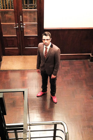 ruby red Nobrand shoes - brown Jos Oliveira suit