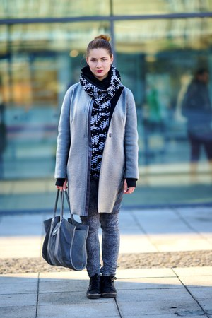 silver SASKA coat - black gino rossi shoes - heather gray gino rossi bag