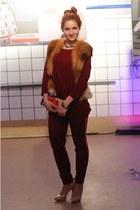 Solar bag - Zara pants - Saska Fashion top - Moschino accessories