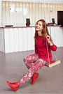 Red-cahlo-leggings-red-saska-fashion-blouse-red-hunters-sneakers