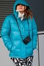 Navy-roxy-boots-turquoise-blue-roxy-jacket-cream-zara-blazer