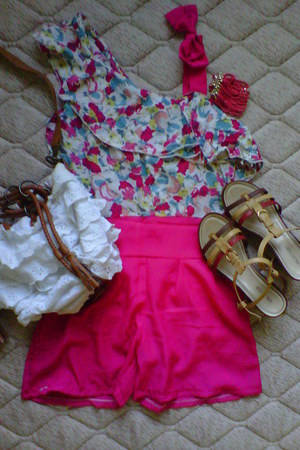 sandals - ruffles bag - pink chain bracelet - jumper