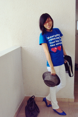 white Mango jeans - blue shoes - blue Threadless t-shirt - black vest - gray hat