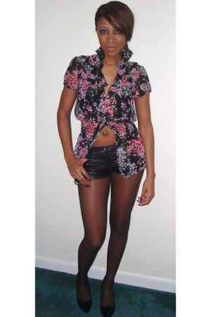 black Forever 21 blouse - black Forever 21 shorts - black Forever 21 earrings -