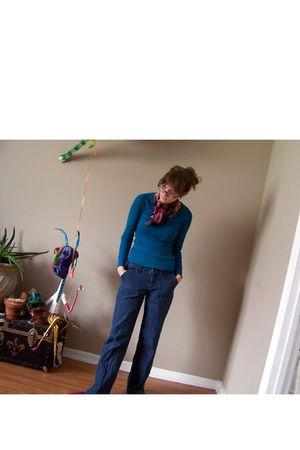 blue Target jeans - pink Anne Klein scarf