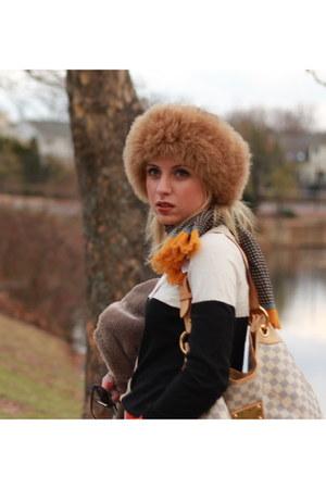 neiman marcus hat - Mango sweater - Mango scarf