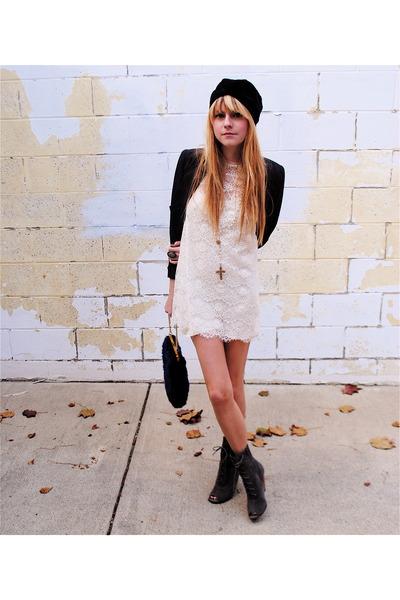 Dress dress - Shoes shoes - Turban accessories