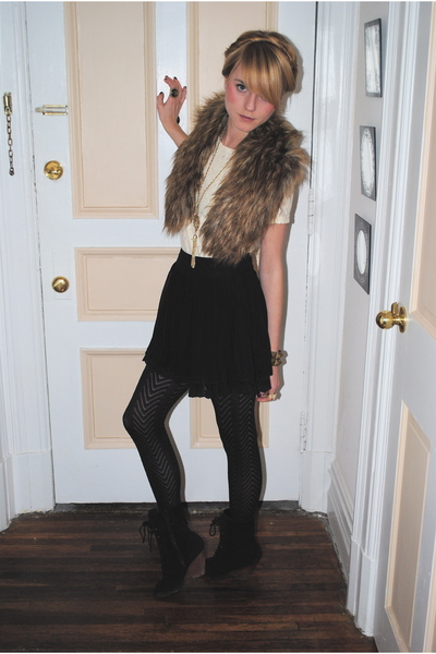 vintage purse - vintage blazer - H&M - Urban Outfitters boots