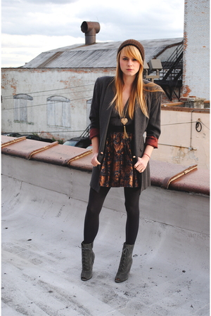 blazer - Forever 21 skirt - Urban Outfitters boots - Forever 21 necklace - hat