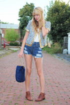 shoes - Levis shorts - bag - tied up and tousled accessories