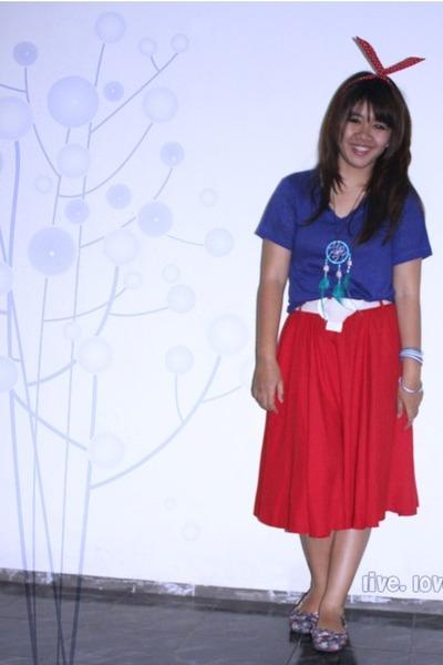 blue cotton Bigjill t-shirt - red cotton Details skirt