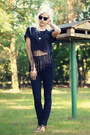 Black-high-waisted-seppälä-jeans-black-diy-t-shirt-black-zara-sandals