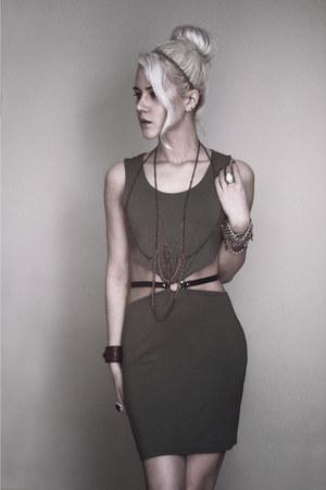 inlovewithfashion dress - diy necklace