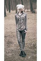 silver Only jeans - black H&M boots - heather gray cotton Roxy shirt