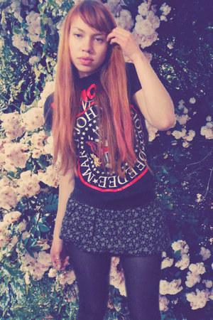 floral print skirt - ramones shirt