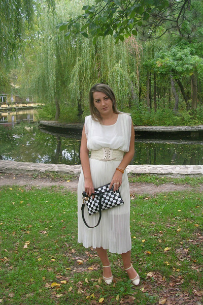 white Sheinsidecom dress - ivory Sheinsidecom bag - silver Bellast earrings