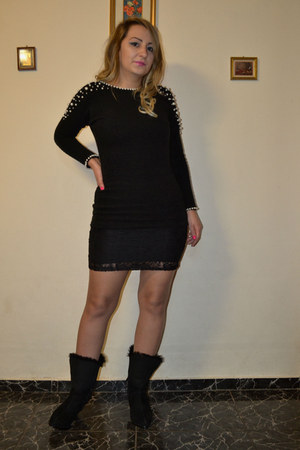 Romwecom boots - Newfrog dress