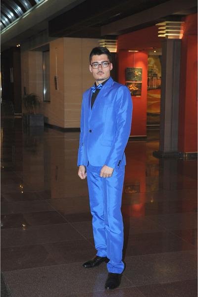 blue italian Agressor suit - black leather Alexo shoes