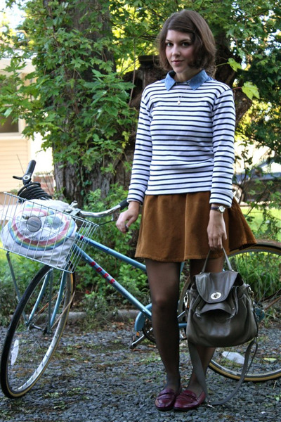 camel corduroy American Apparel skirt - navy striped Petit Bateau sweater