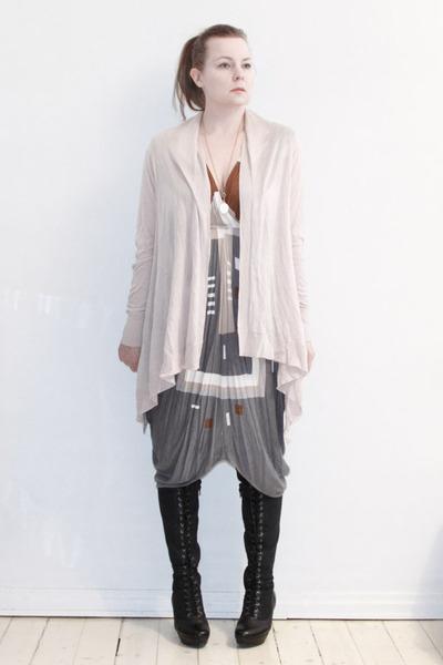 gray Malene Birger dress - pink H&M cardigan - black vagabond boots - gold Pilgr