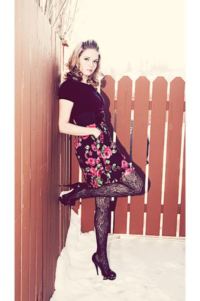 Twinkle Dolls dress - black Rickis Fashion tights - black Aldo shoes - black Jac