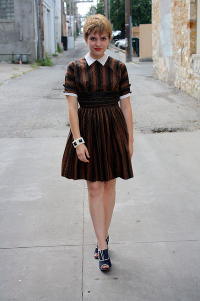 brown vintage dress - blue Pour La Victoire shoes