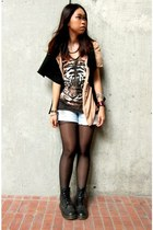 tiger top - top - drmarten boots - ripped cotton on jeans - scarf - stockings