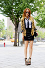 Gold-zara-blazer-black-255-reissue-chanel-bag-black-jeffrey-campbell-heels