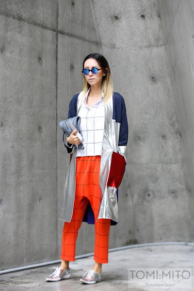 silver Partsparts jacket - white Partsparts shirt - blue Illesteva sunglasses