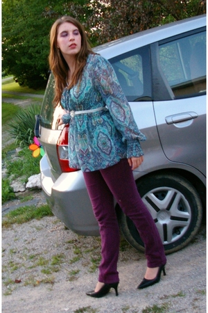 Forever21 jeans - thrift blouse - thrift belt - Chinese Laundry shoes
