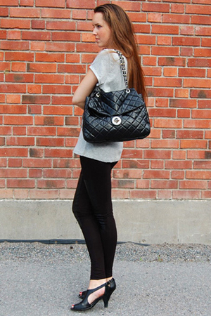 t-shirt - tights - shoes - purse