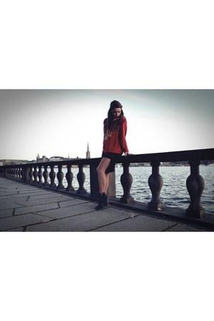 black cropp shoes - red Secondhand sweater - black Zara skirt