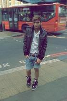jacket - t-shirt - shoes - pants